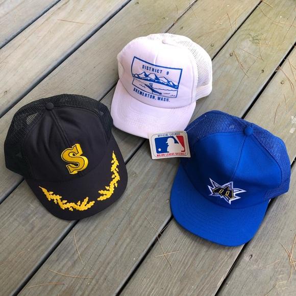 e1700ede6d2ac Vintage Seattle Mariners Washington Hat Bundle. M 5b1acb2f7386bcb2ca4bc639